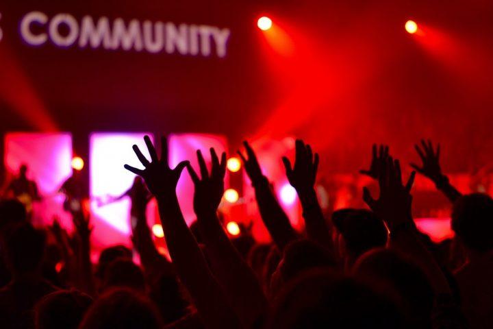 Community als Pflicht und Chance